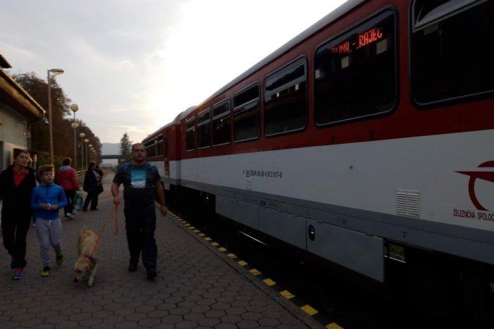 b07a02604 Ilustračný obrázok k článku Na trati Žilina - Rajec budú výluky: Tieto  vlaky nahradia autobusy